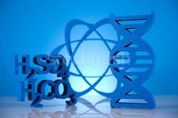 átomo moléculas modelo laboratorio cristalería agua Foto stock © JanPietruszka