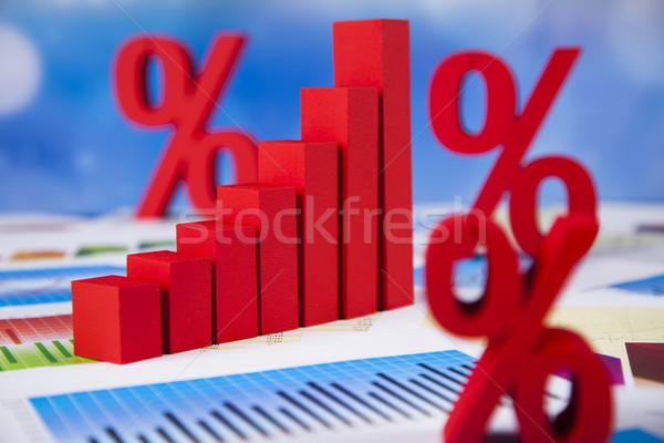 Finanse yüzde doğal renkli imzalamak kırmızı Stok fotoğraf © JanPietruszka