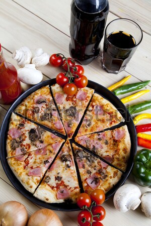 Olasz pizza ízletes természetes étel levél Stock fotó © JanPietruszka