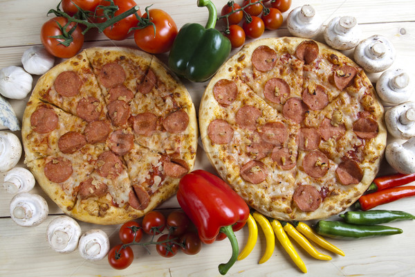 Hot pizza smakelijk natuurlijke voedsel blad Stockfoto © JanPietruszka