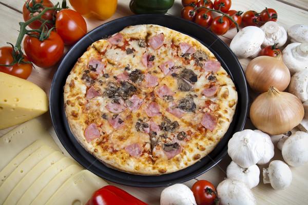 Pizza saboroso naturalismo comida folha Óleo Foto stock © JanPietruszka