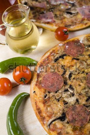 Calabresa pizza saboroso naturalismo comida folha Foto stock © JanPietruszka