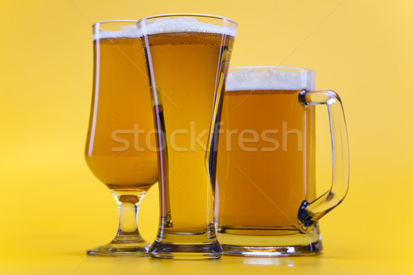 Piwa szkła jasne wibrujący alkoholu strony Zdjęcia stock © JanPietruszka