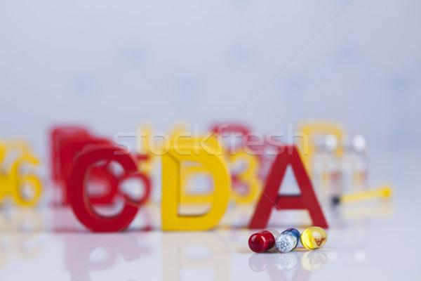 Vitamin tabletták kapszula orvosi gyógyszer egészséges Stock fotó © JanPietruszka