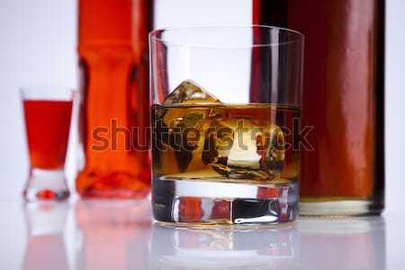 Whiskey alkohol folyadék citromsárga tükröződés három Stock fotó © JanPietruszka
