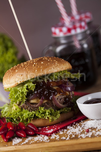 Primer plano casero hamburguesa verduras frescas Foto stock © JanPietruszka
