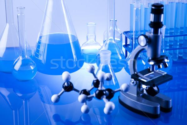 Foto stock: Químico · laboratório · artigos · de · vidro · tecnologia · vidro · azul