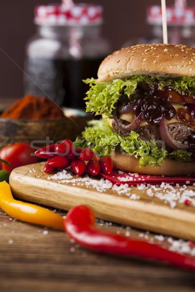 Házi fából készült közelkép házi készítésű hamburger friss zöldségek Stock fotó © JanPietruszka