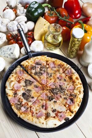 Fresco pizza saboroso naturalismo comida folha Foto stock © JanPietruszka