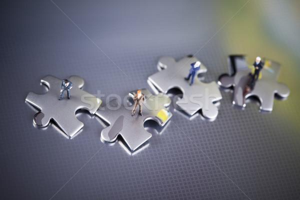 Negócio moderno rede símbolos empresário quebra-cabeça Foto stock © JanPietruszka