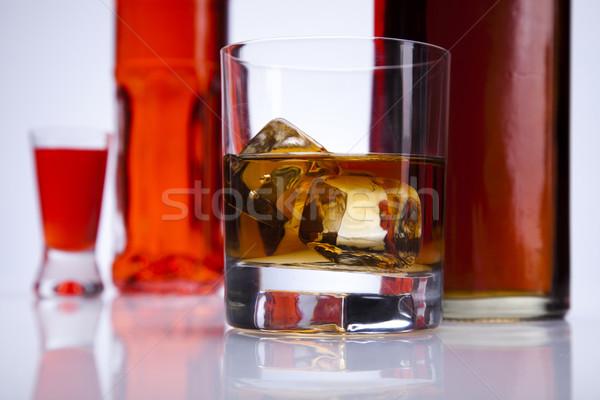 Whiskey bere bottiglia liquido oggetto riflessione Foto d'archivio © JanPietruszka