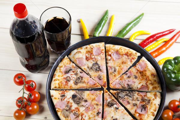 Italiano pizza saboroso naturalismo comida folha Foto stock © JanPietruszka