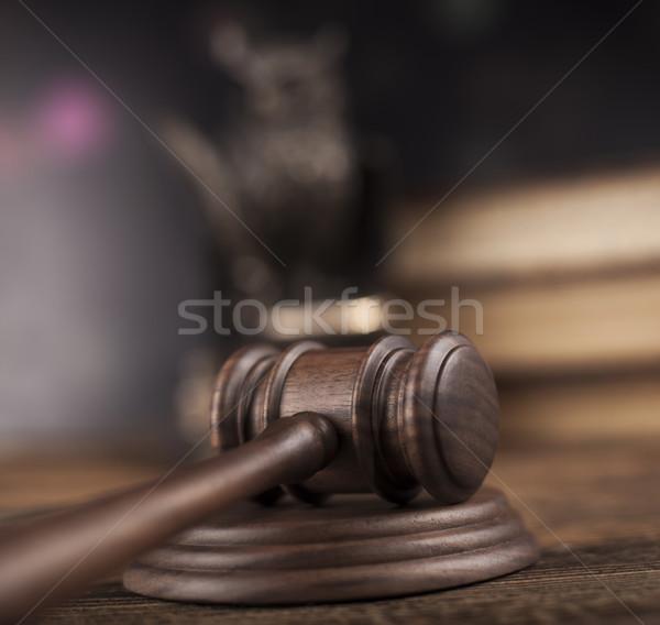 Tribunal juez ley justicia martillo jurídica Foto stock © JanPietruszka