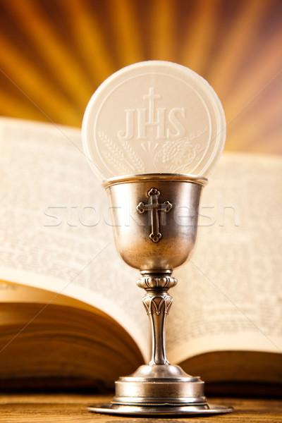 Primera comunión brillante libro Jesús iglesia Biblia Foto stock © JanPietruszka