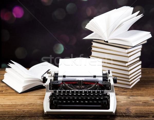 Vintage máquina de escrever velho livro trabalhar fundo carta Foto stock © JanPietruszka