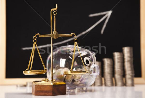 Сток-фото: Piggy · Bank · монетами · диаграмма · окна · Финансы · свинья