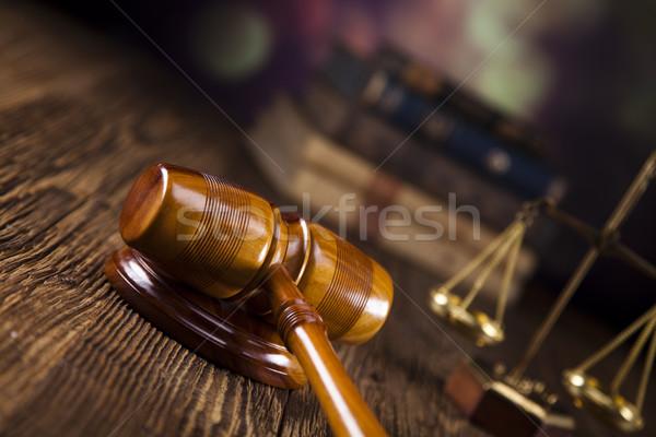 échelles justice marteau avocat juge tribunal Photo stock © JanPietruszka