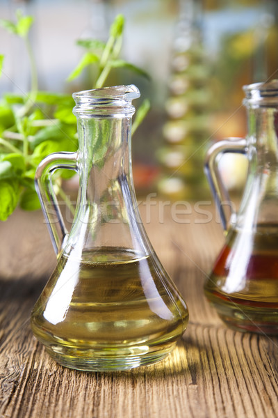 Azeite mediterrânico rural folha vidro verde Foto stock © JanPietruszka