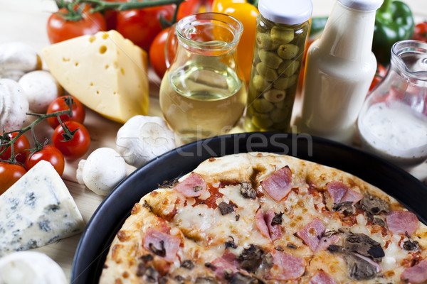 Taze pizza lezzetli doğal gıda yaprak Stok fotoğraf © JanPietruszka