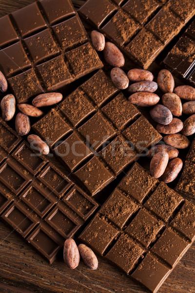 Donkere eigengemaakt chocolade bars peul houten Stockfoto © JanPietruszka
