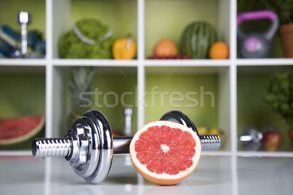 Egészséges életmód diéta fitnessz vitaminok sport gyümölcs Stock fotó © JanPietruszka