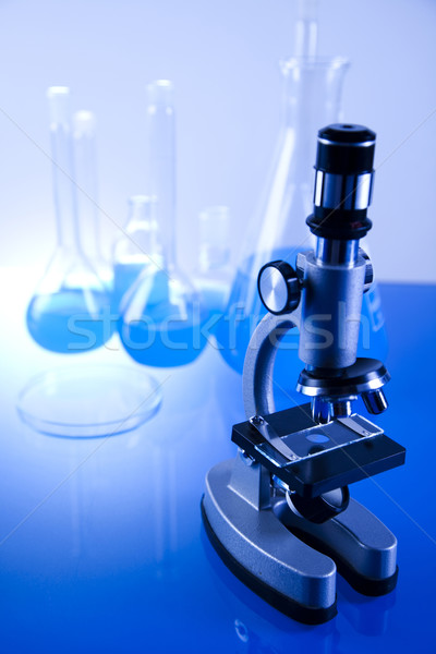 Foto stock: Laboratório · artigos · de · vidro · equipamento · tecnologia · vidro · azul
