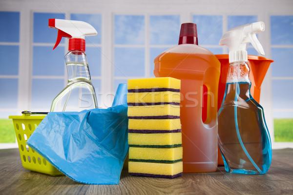 Produktów czyszczących zestaw domu okno grupy butelki Zdjęcia stock © JanPietruszka