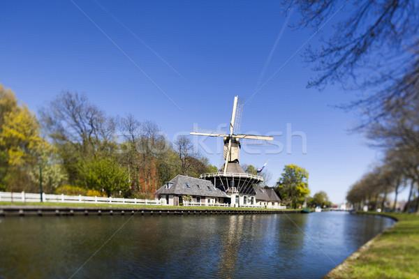Hagyományos öreg Hollandia holland szélmalom égbolt Stock fotó © JanPietruszka