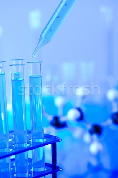 Foto stock: Caída · tubo · laboratorio · medicina · azul · botella