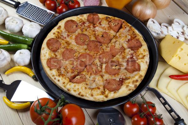 Pizza pan sabroso naturales alimentos hoja Foto stock © JanPietruszka
