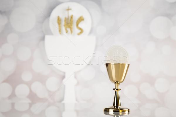 Szent úrvacsora arany kehely izolált fehér Stock fotó © JanPietruszka