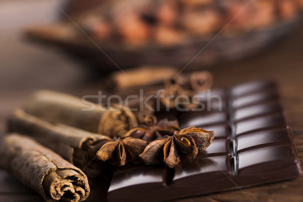 Foto stock: Canela · anis · chocolate · escuro · doce · doce · barras