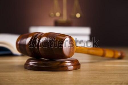 Foto stock: Ley · justicia · madera · martillo · blanco · juez