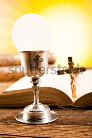 Cemaat gofret parlak kitap İsa kilise Stok fotoğraf © JanPietruszka