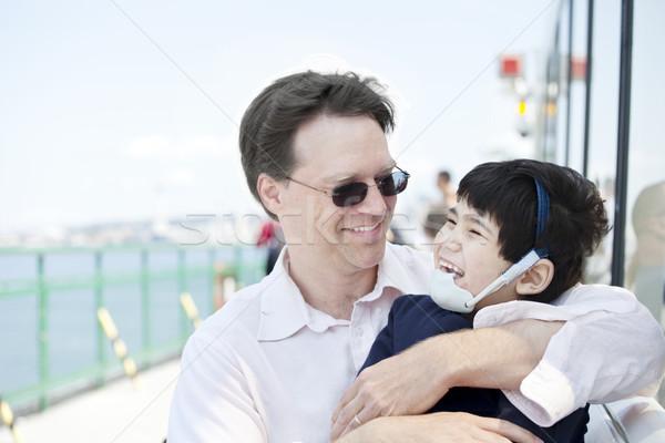 Zdjęcia stock: Ojciec · niepełnosprawnych · syn · prom · łodzi