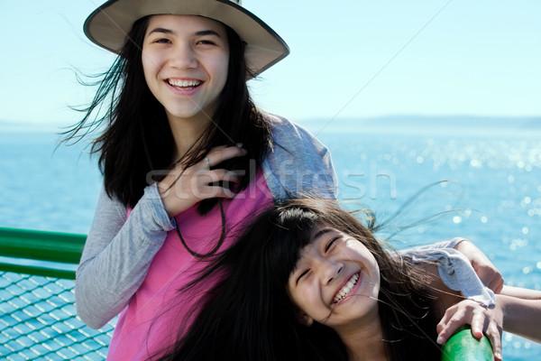 Dois feliz meninas sorridente balsa convés Foto stock © jarenwicklund