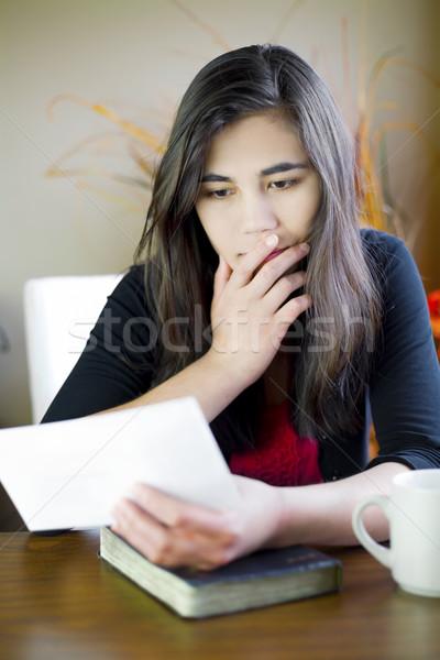 十代の少女 若い女性 読む 注記 手 ストックフォト © jarenwicklund