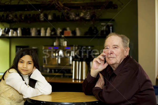 Idős férfi leányunoka kávéház étterem együtt Stock fotó © jarenwicklund