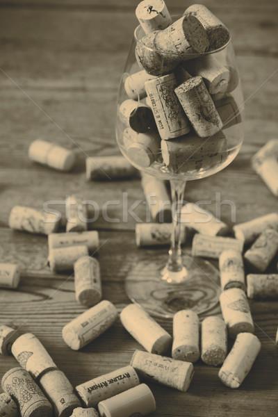 Vintage Cork verre bouteille de vin plancher de bois bois Photo stock © jarin13