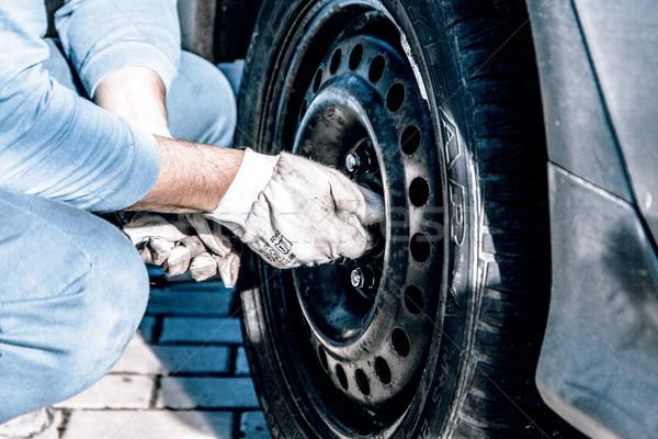 Autógumik kerék tél tavasz férfi szerszámok Stock fotó © jarin13