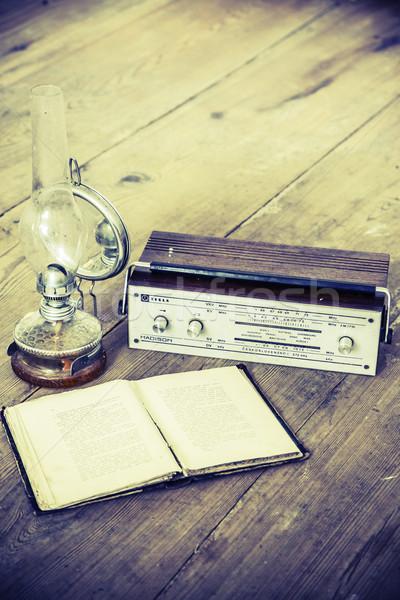 Lamba radyo kitap güzel eski Stok fotoğraf © jarin13