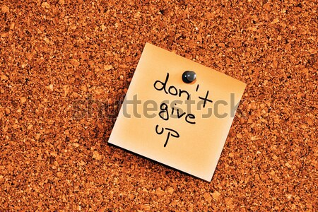 Quadro de avisos nota pegajosa cortiça um rosa papel Foto stock © jarin13