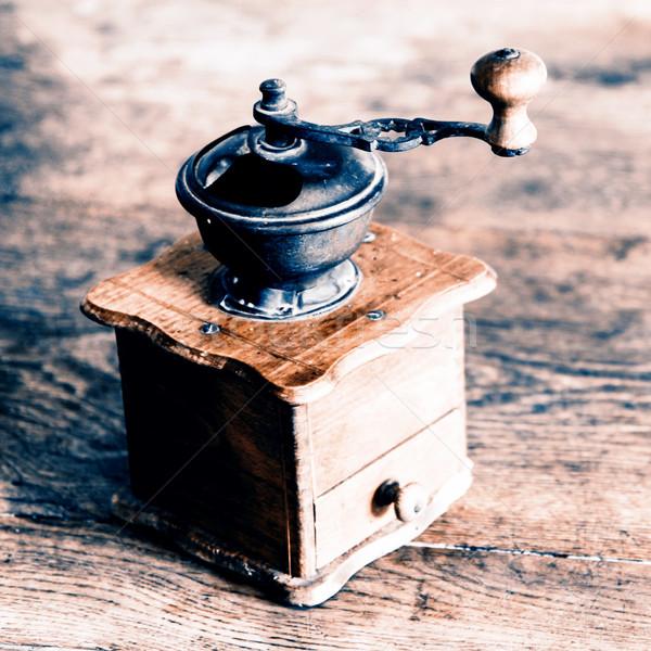 Jahrgang Handbuch Kaffee Schleifer alten Holztisch Stock foto © jarin13