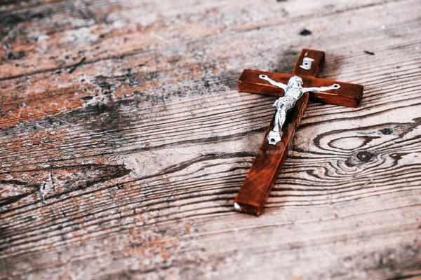 Gyönyörű öreg kereszt Jézus fapadló fa Stock fotó © jarin13