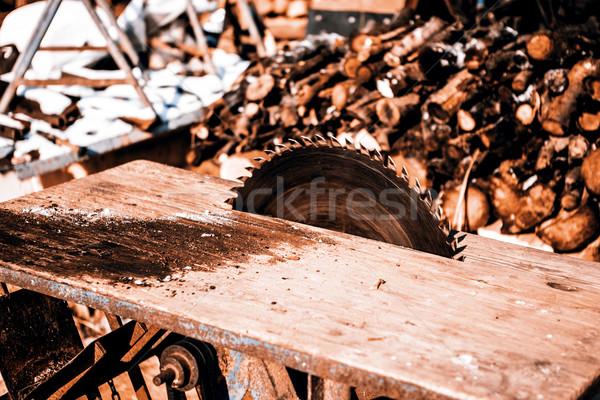 Circulaire vu lame vieux maison Photo stock © jarin13