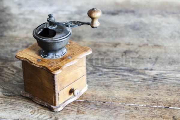ヴィンテージ マニュアル コーヒー グラインダー 古い 木製のテーブル ストックフォト © jarin13
