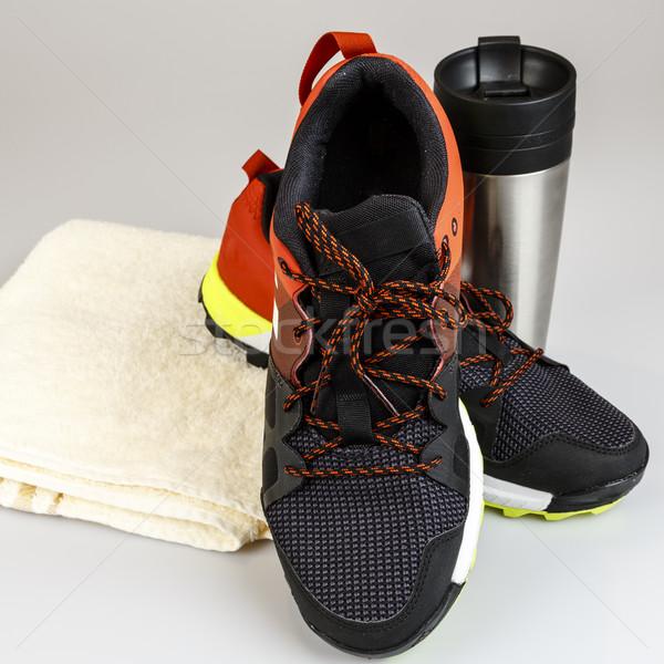 Loopschoenen handdoek fles lopen natuur sport Stockfoto © jarin13
