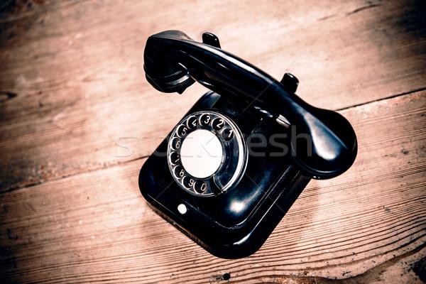 Stockfoto: Oude · zwarte · telefoon · stof · geïsoleerd