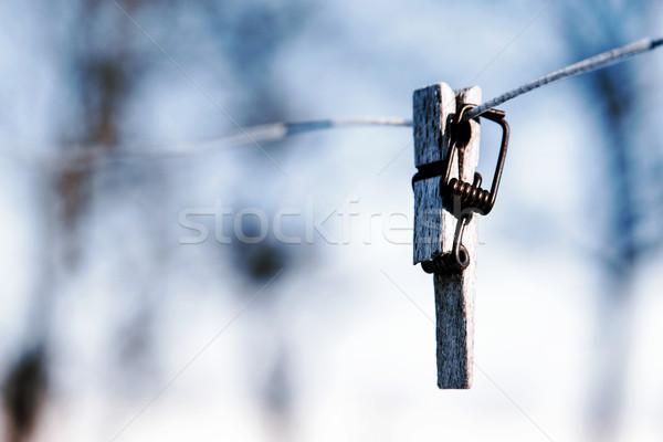 Quebrado prendedor de roupa arame foco primeiro plano primavera Foto stock © jarin13