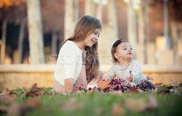 Dois irmãs sessão parque natal menina Foto stock © jarp17